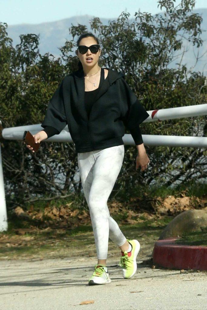 Gal Gadot in a Gray Leggings