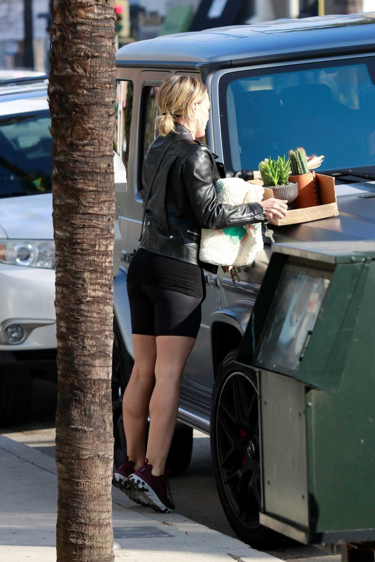 Hilary Duff in a Purpl...