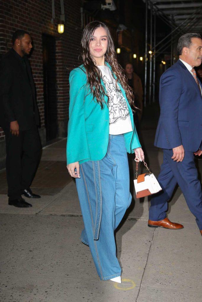 Hailee Steinfeld in a Green Blazer