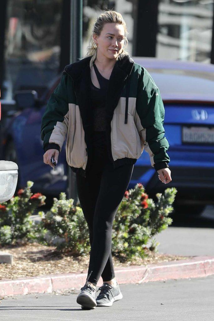 Hilary Duff in a Black Leggings