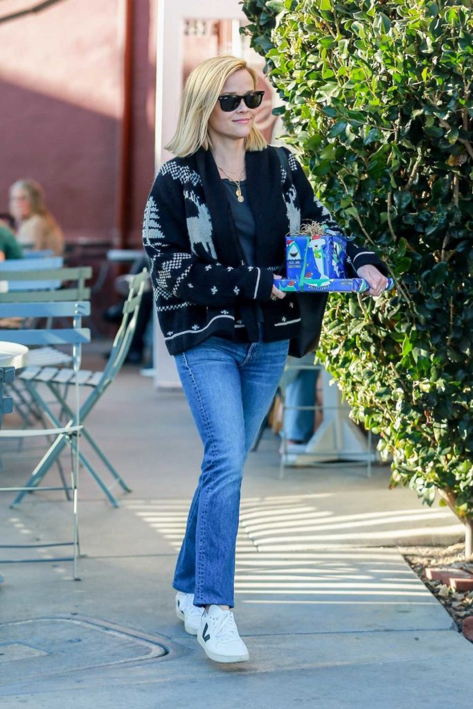 Reese Witherspoon in a White Sneakers
