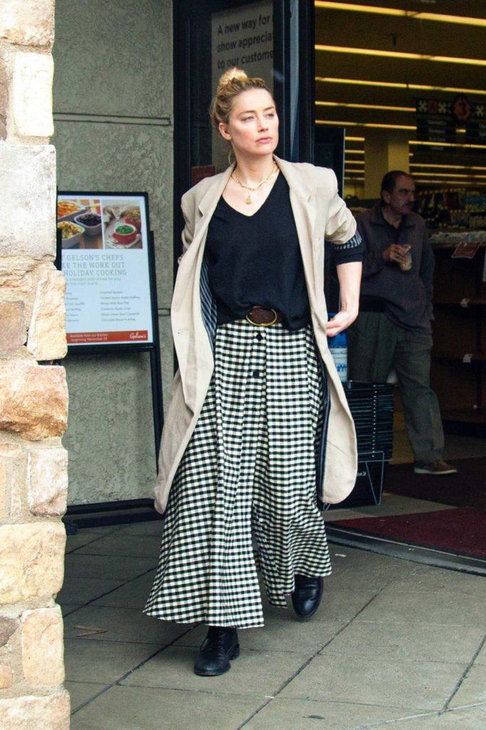 Amber Heard in a Beige Trench Coat