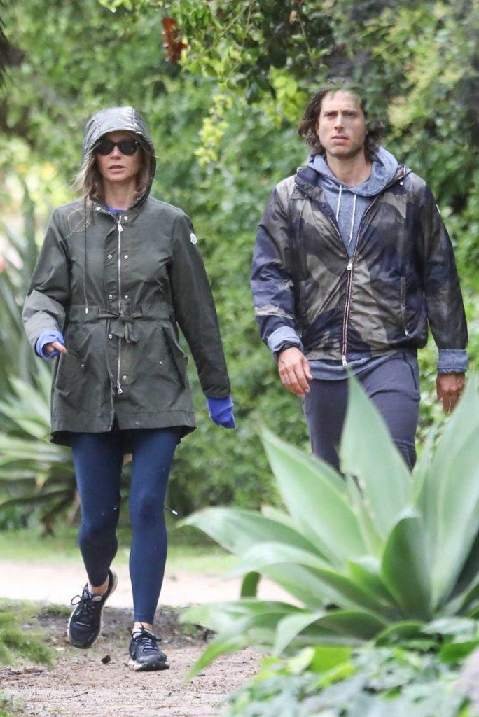 Gwyneth Paltrow in a Blue Leggings
