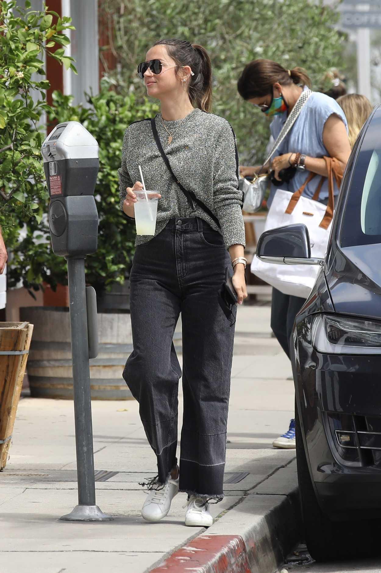 Ana De Armas Sexy In Jeans | Hot Celebs Home