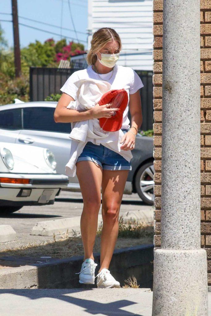 Margot Robbie in a White Tee