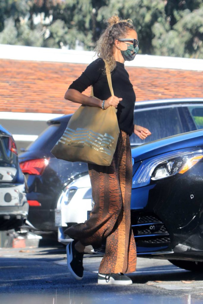 Nicole Richie in a Protective Mask