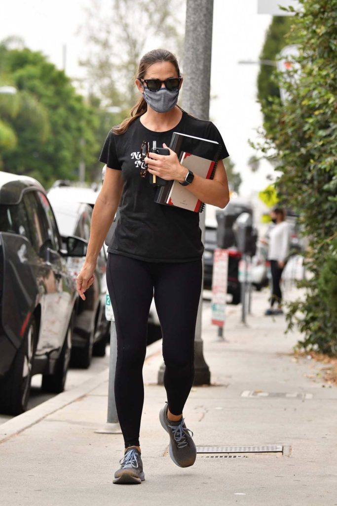 Jennifer Garner in a Black Tee
