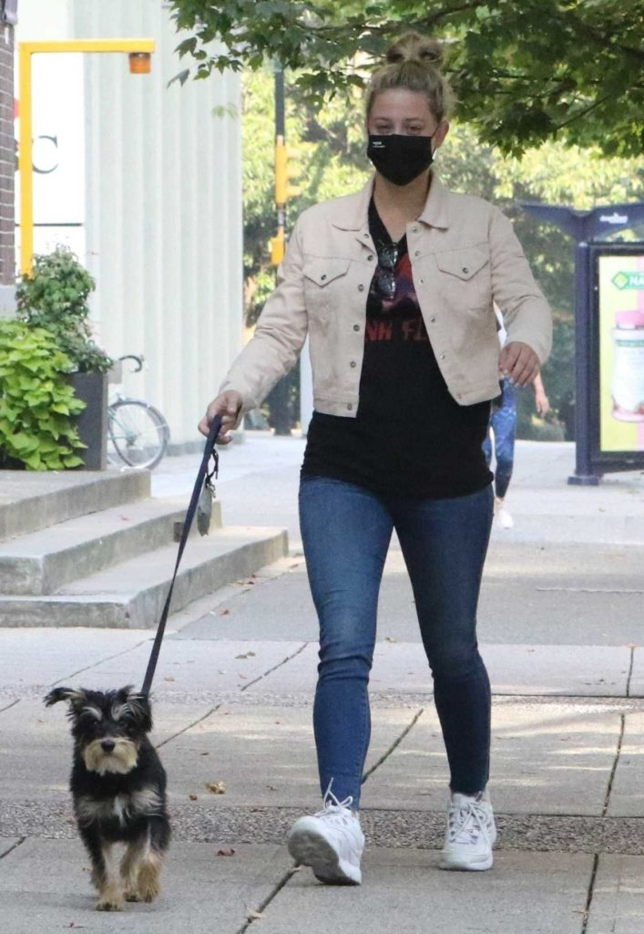 Lili Reinhart in a Black Protective Mask