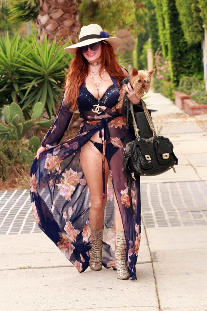 Phoebe Price in a Beige Hat