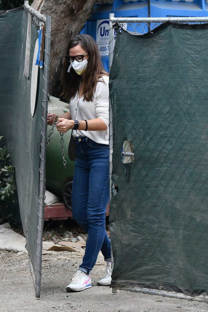 Jennifer Garner in a Protective Mask