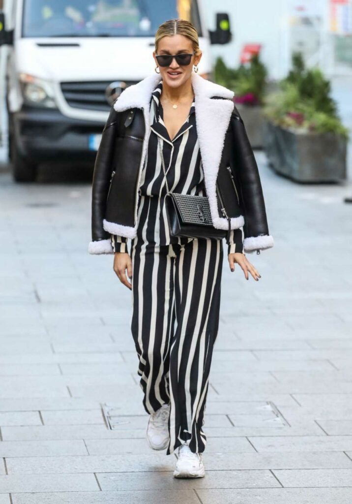 Ashley Roberts in a Black and White Striped Suit