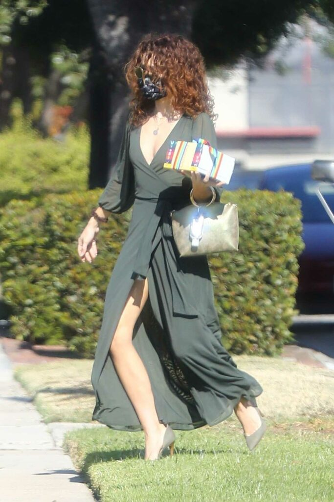 Sarah Hyland in an Olive Dress