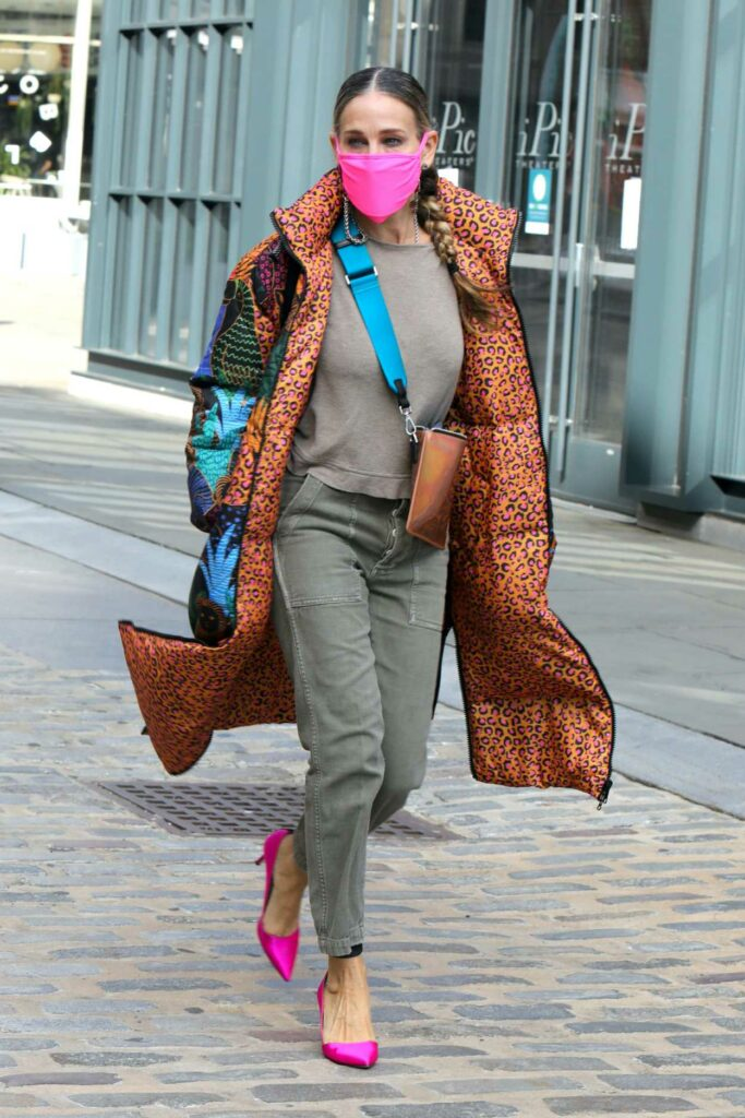 Sarah Jessica Parker in a Pink Protective Mask