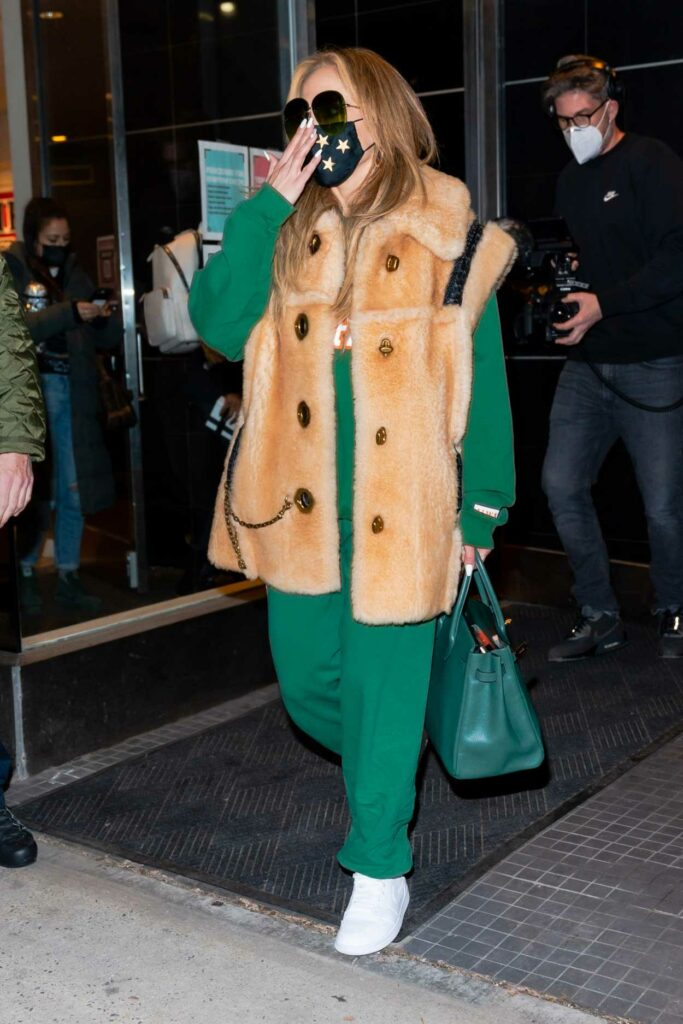 Jennifer Lopez in a Green Sweatsuit