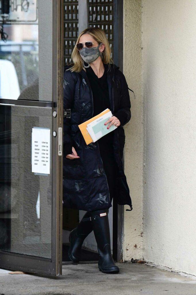 Sarah Michelle Gellar in a Black Puffer Coat