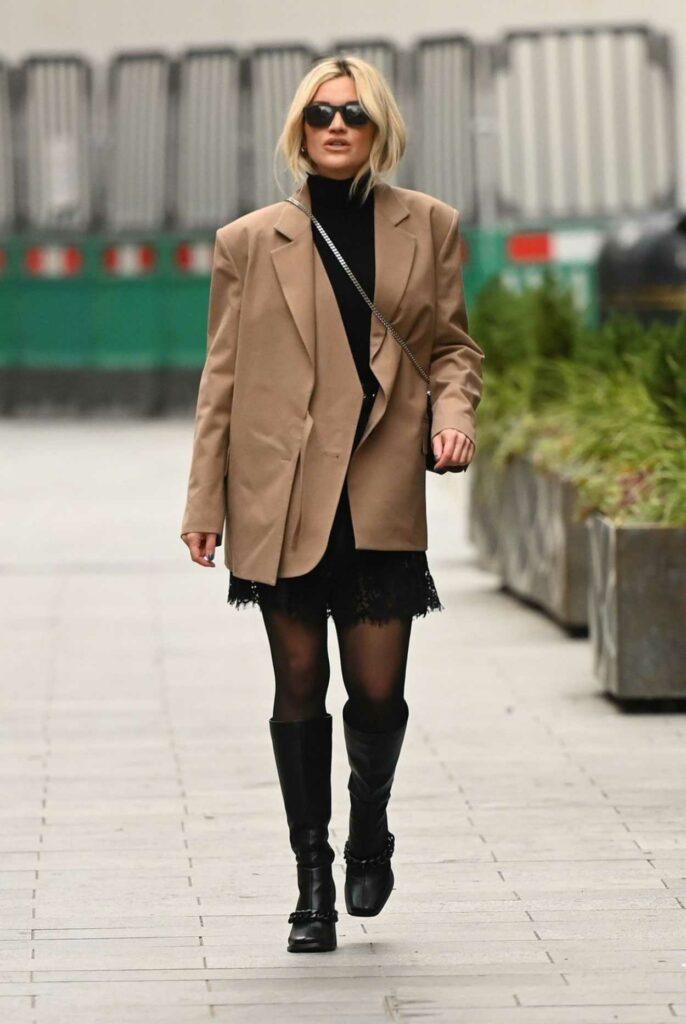 Ashley Roberts in a Beige Blazer