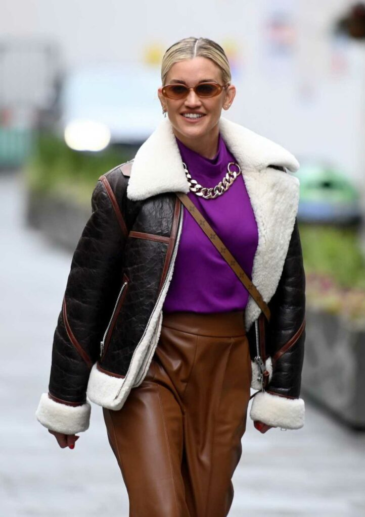 Ashley Roberts in a Brown Leather Pants