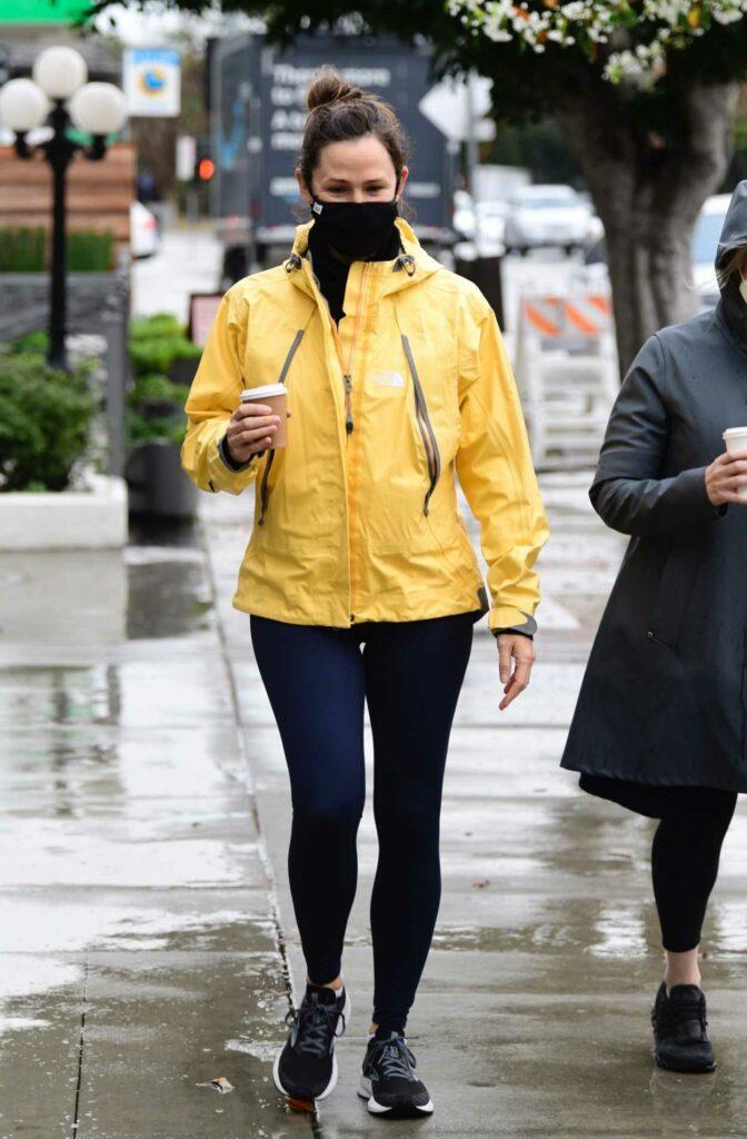Jennifer Garner in a Yellow Windbreaker