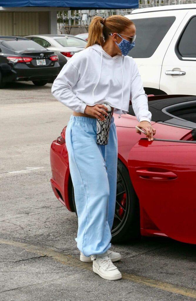 Jennifer Lopez in a White Hoodie