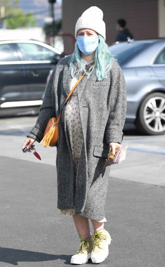 Hilary Duff in a Grey Coat