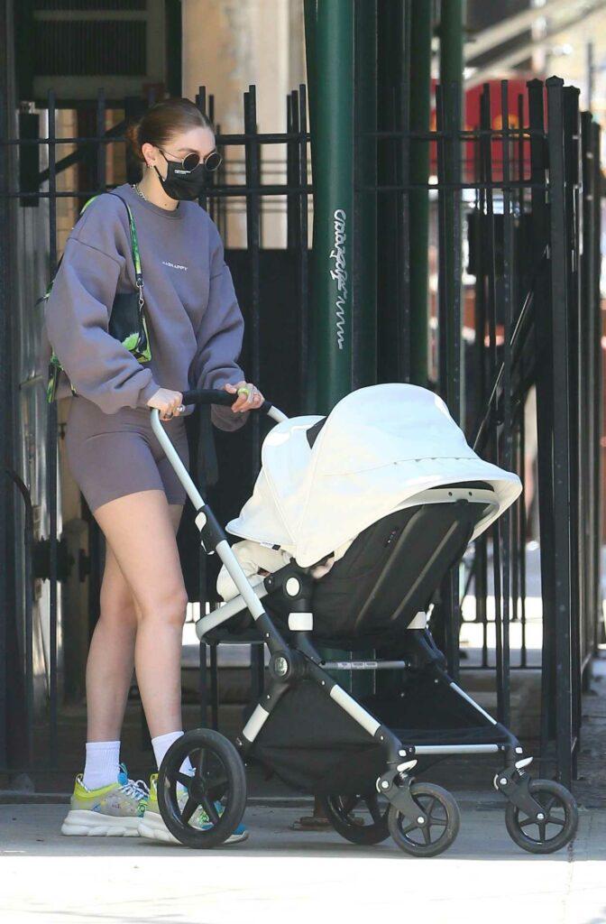 Gigi Hadid in a Grey Sweatshirt