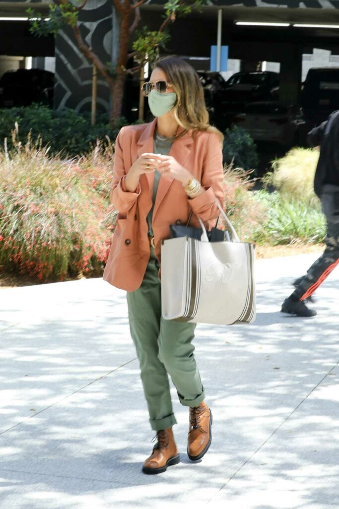 Jessica Alba in an Olive Pants