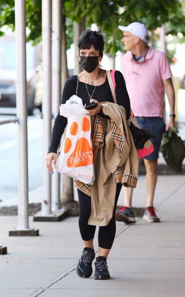 Lily Allen in a Black Sneakers