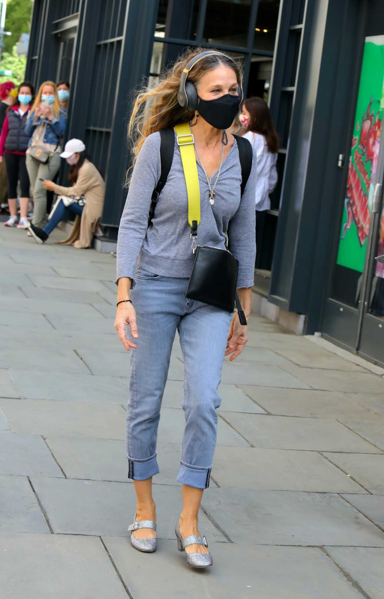 Sarah Jessica Parker at 54th Street in New York 04/10/2021