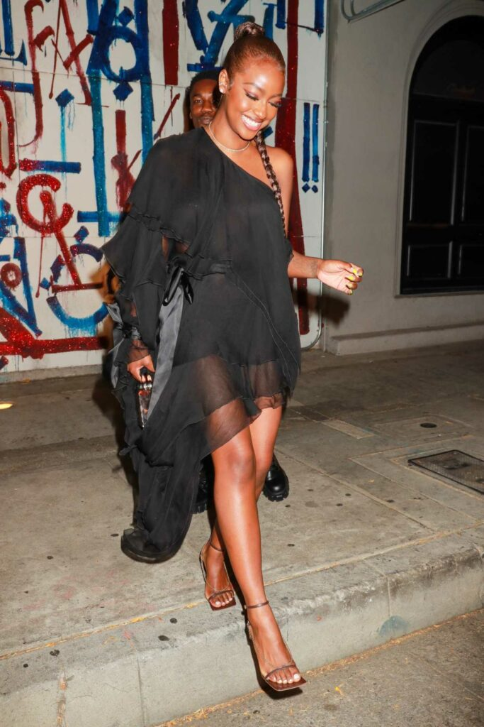 Justine Skye in a Black Dress