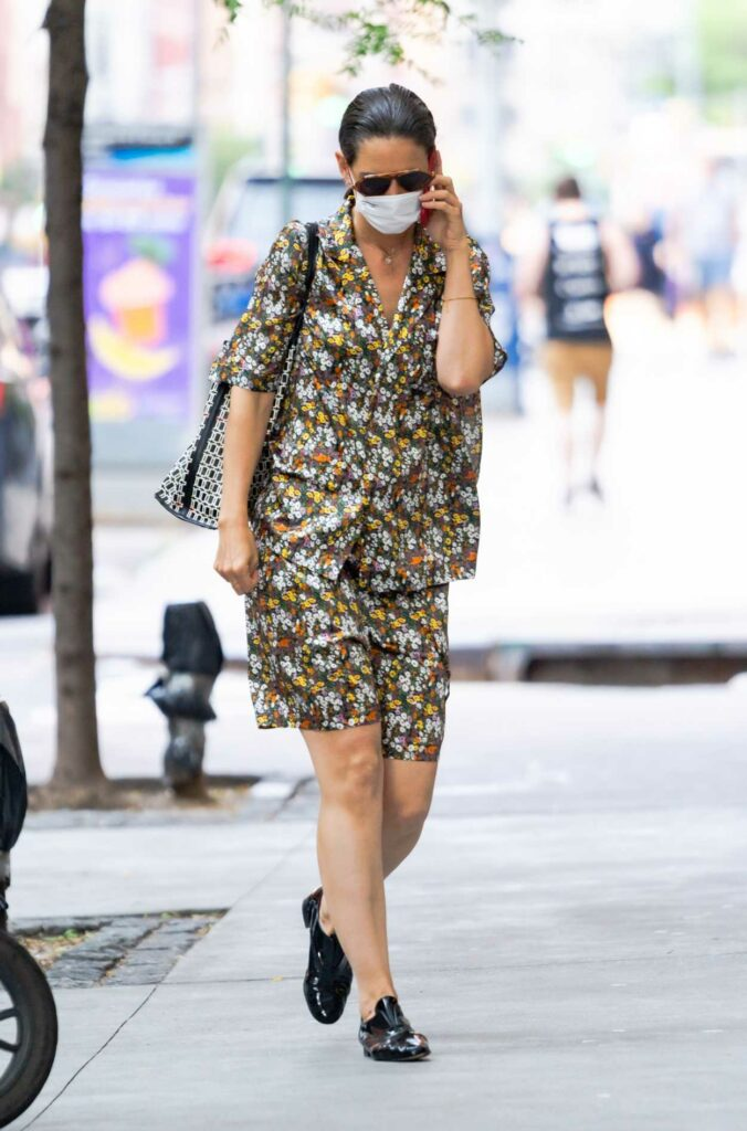 Katie Holmes in a Floral Summer Suit