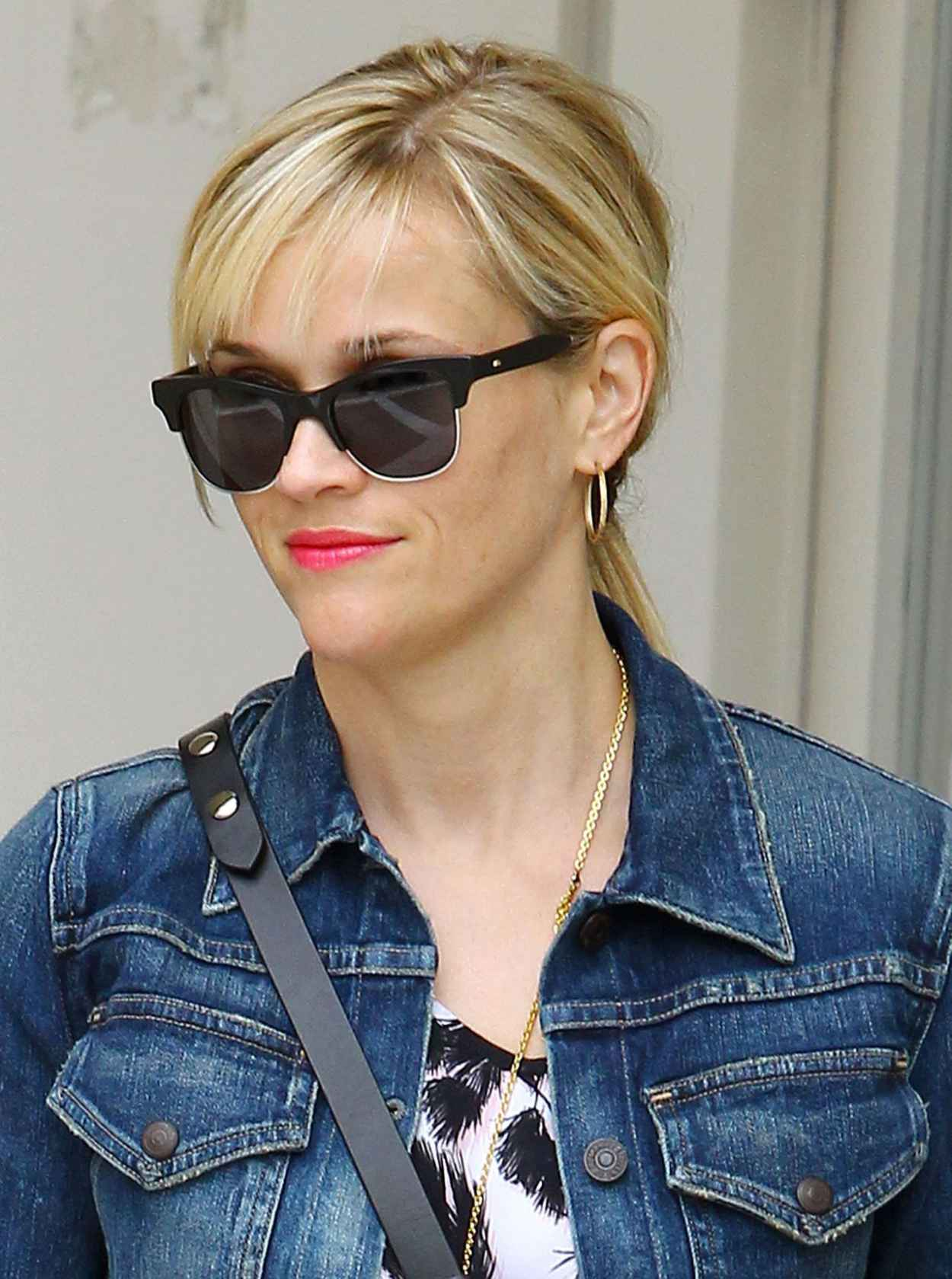 Reese Witherspoon Summer Style - Out in Beverly Hills, July 2015-1
