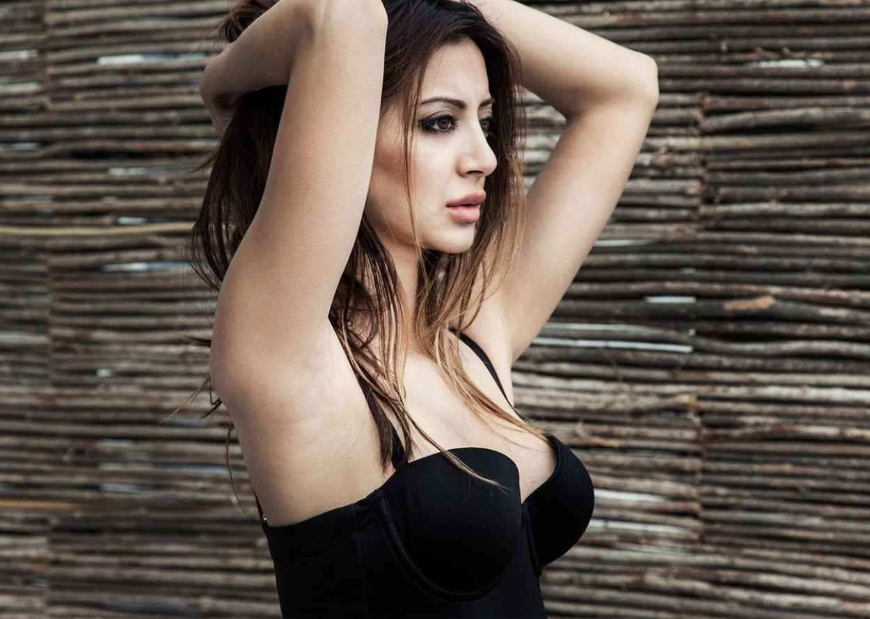 Noureen DeWulf - MAXIM Magazine - 2015 Issue-1