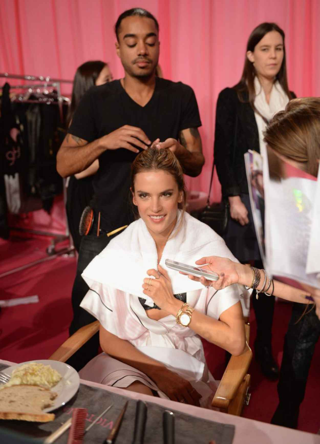 Alessandra Ambrosio Backstage Photos at the 2015 Victorias Secret Fashion Show in New York City-1