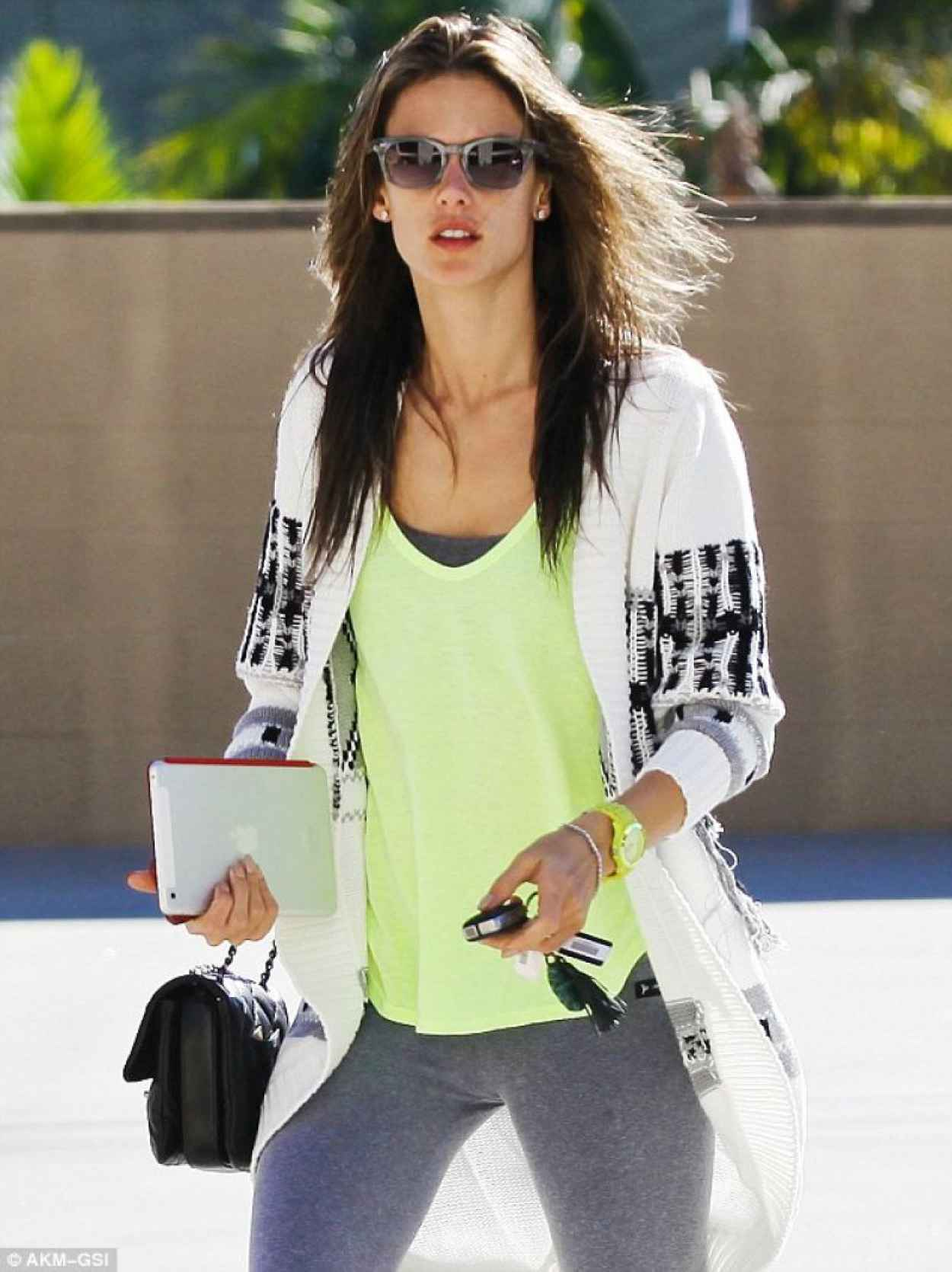 Alessandra Ambrosio Street Style - Out in Brentwood - November 2015-1