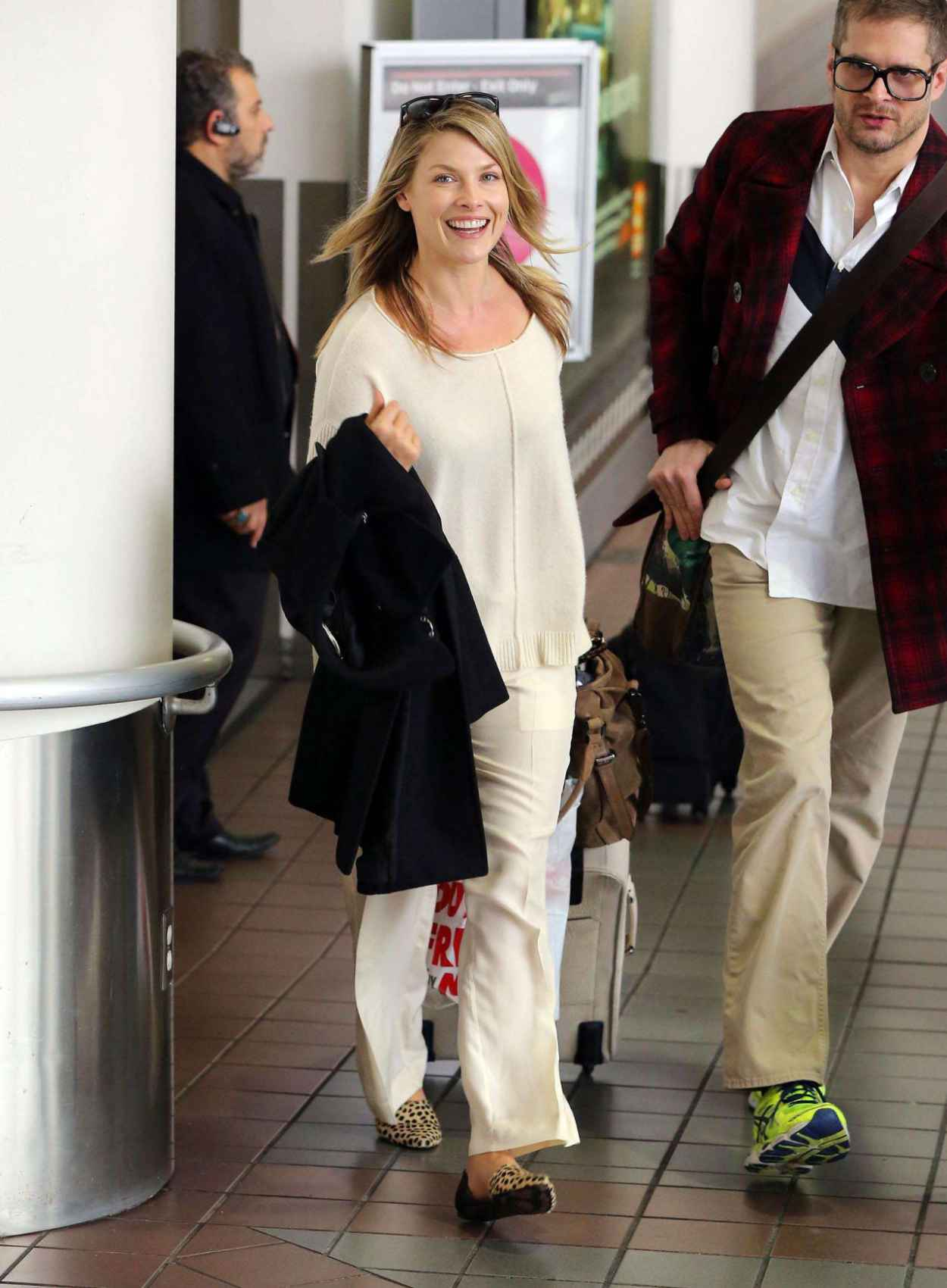 Ali Larter Style - at LAX Airport - November 2015-1