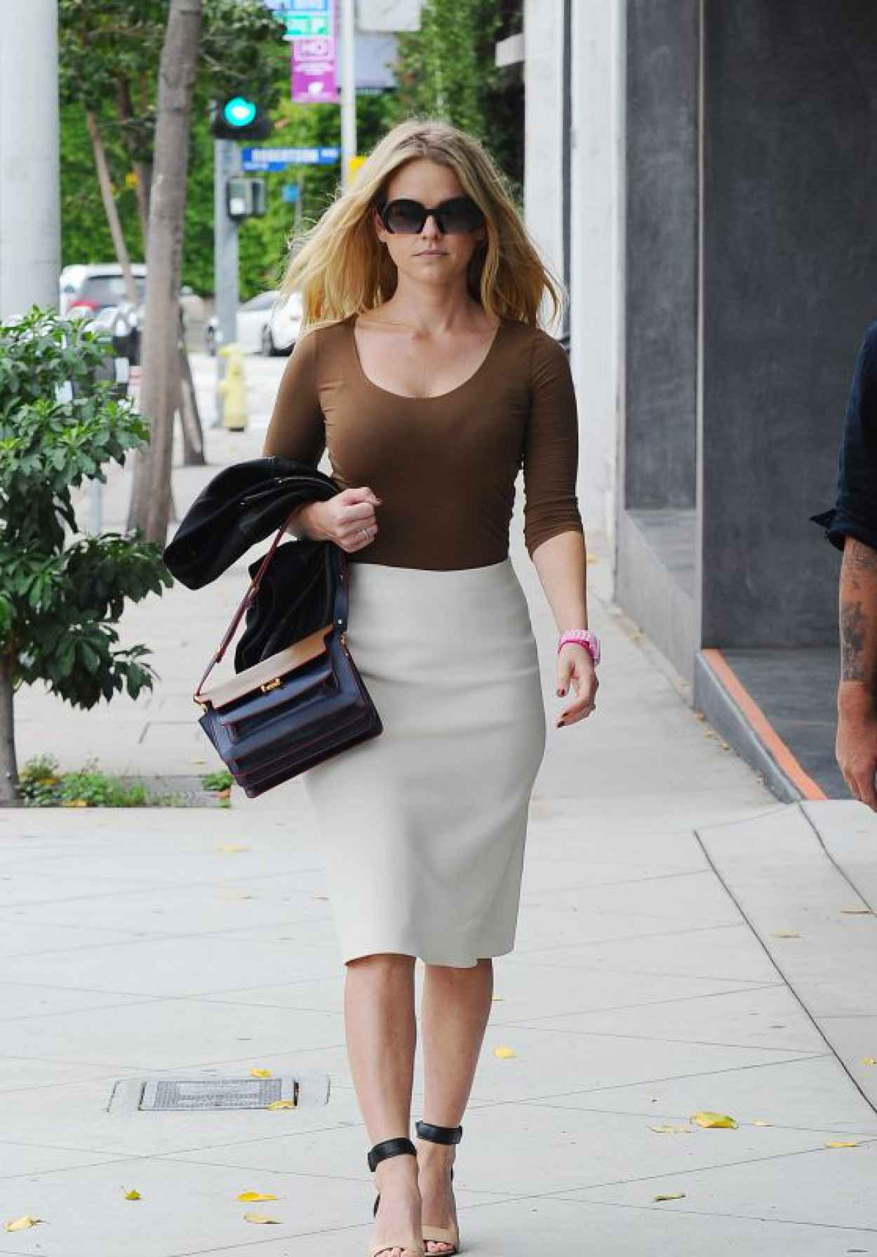 Alice Eve Street Fashion - Out in Los Angeles, October 2015-1
