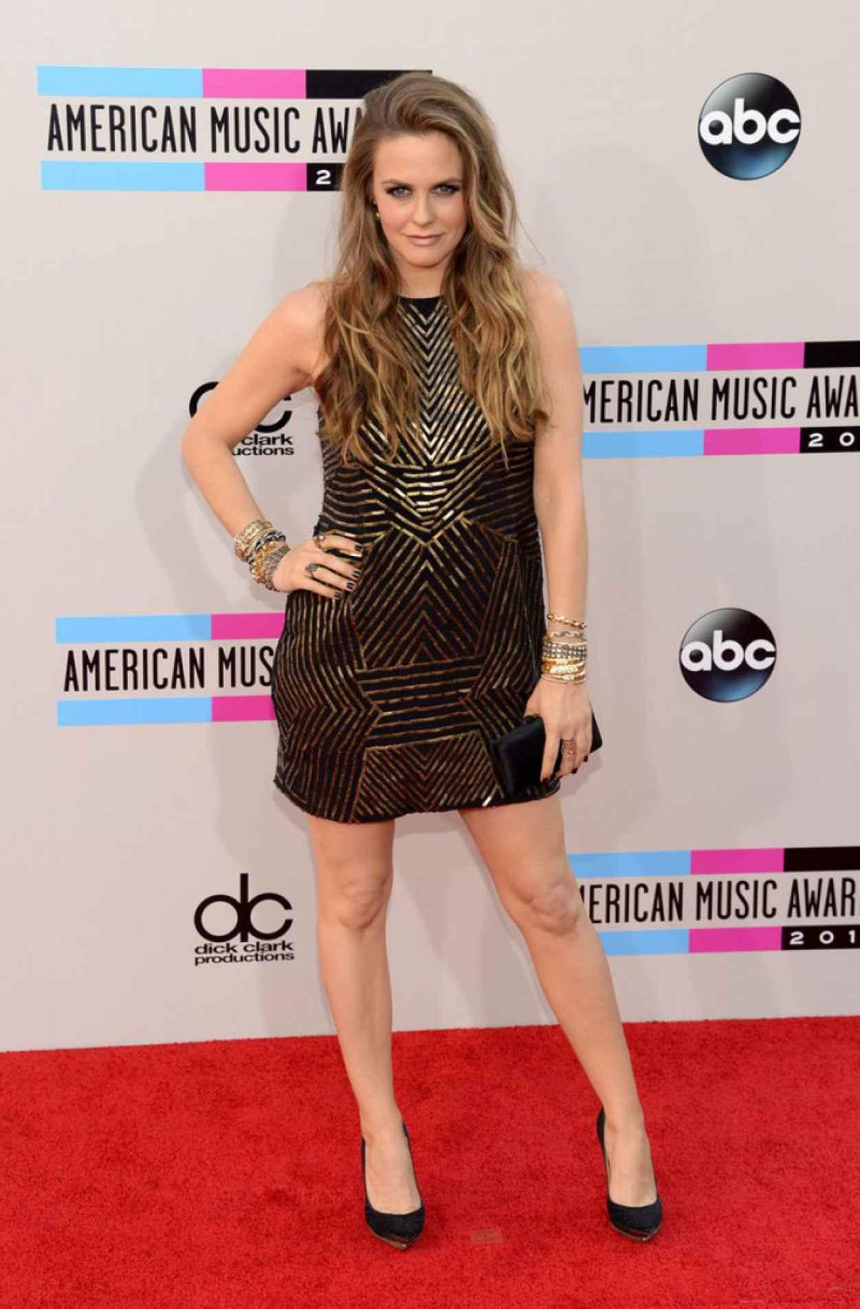 Alicia Silverstone Attends 2015 American Music Awards-3