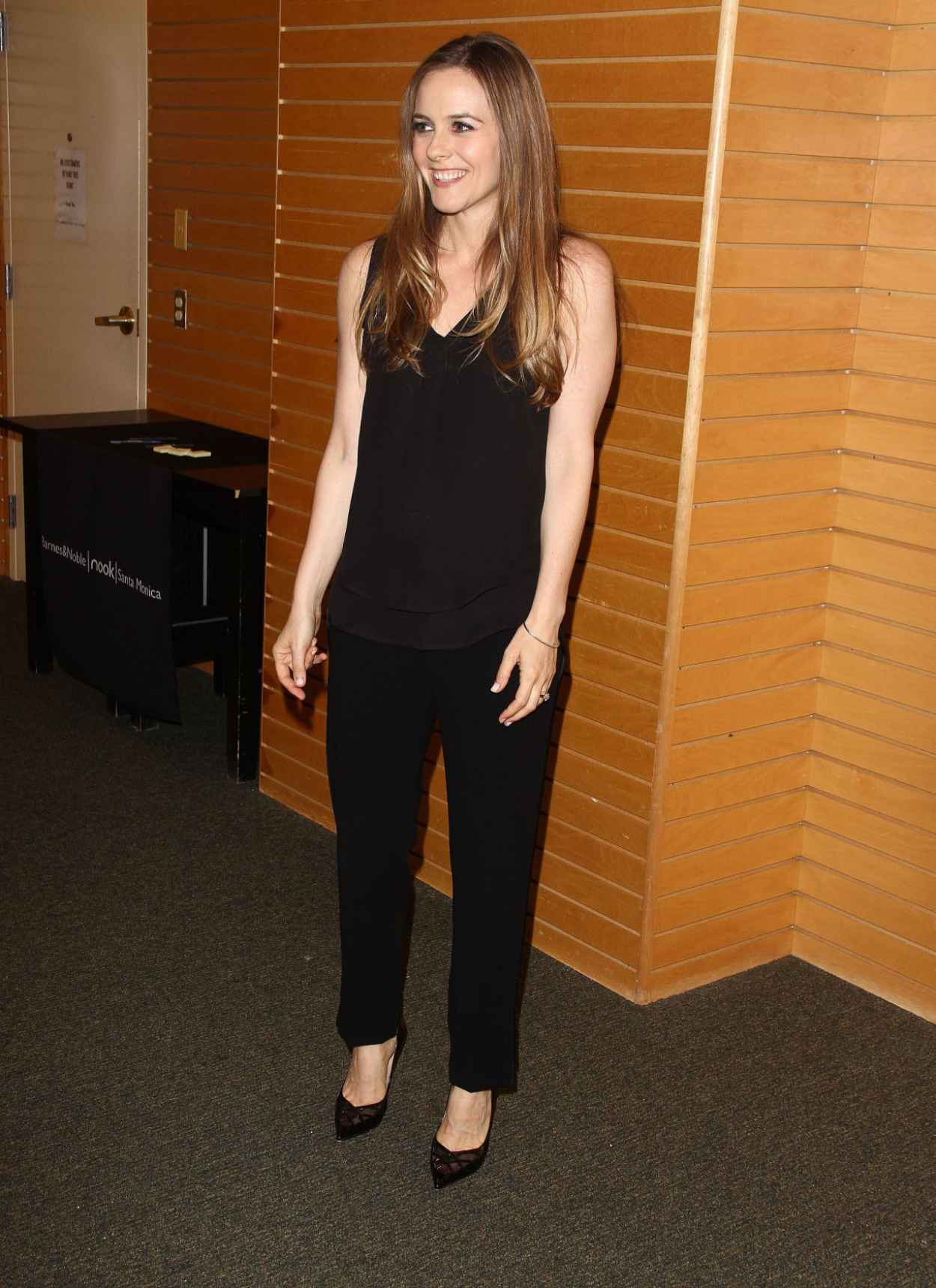 Alicia Silverstone - Book Signing at Barnes & Noble in Los Angeles - April 2015-2