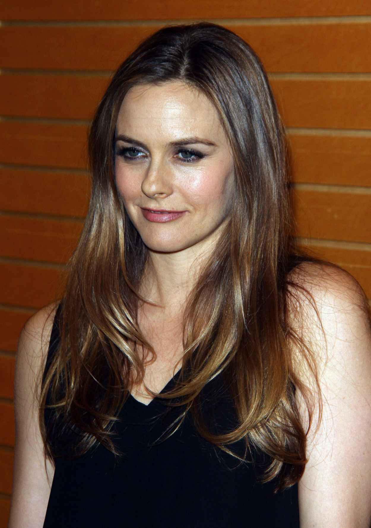 Alicia Silverstone - Book Signing at Barnes & Noble in Los Angeles - April 2015-3