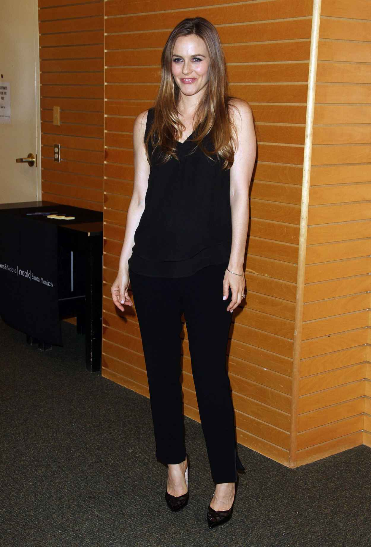Alicia Silverstone - Book Signing at Barnes & Noble in Los Angeles - April 2015-4