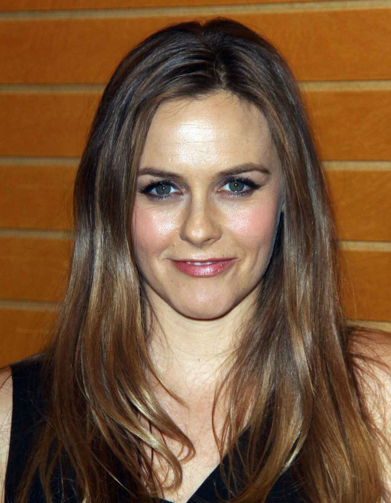 Alicia Silverstone - Book Signing at Barnes & Noble in Los Angeles - April 2015-5