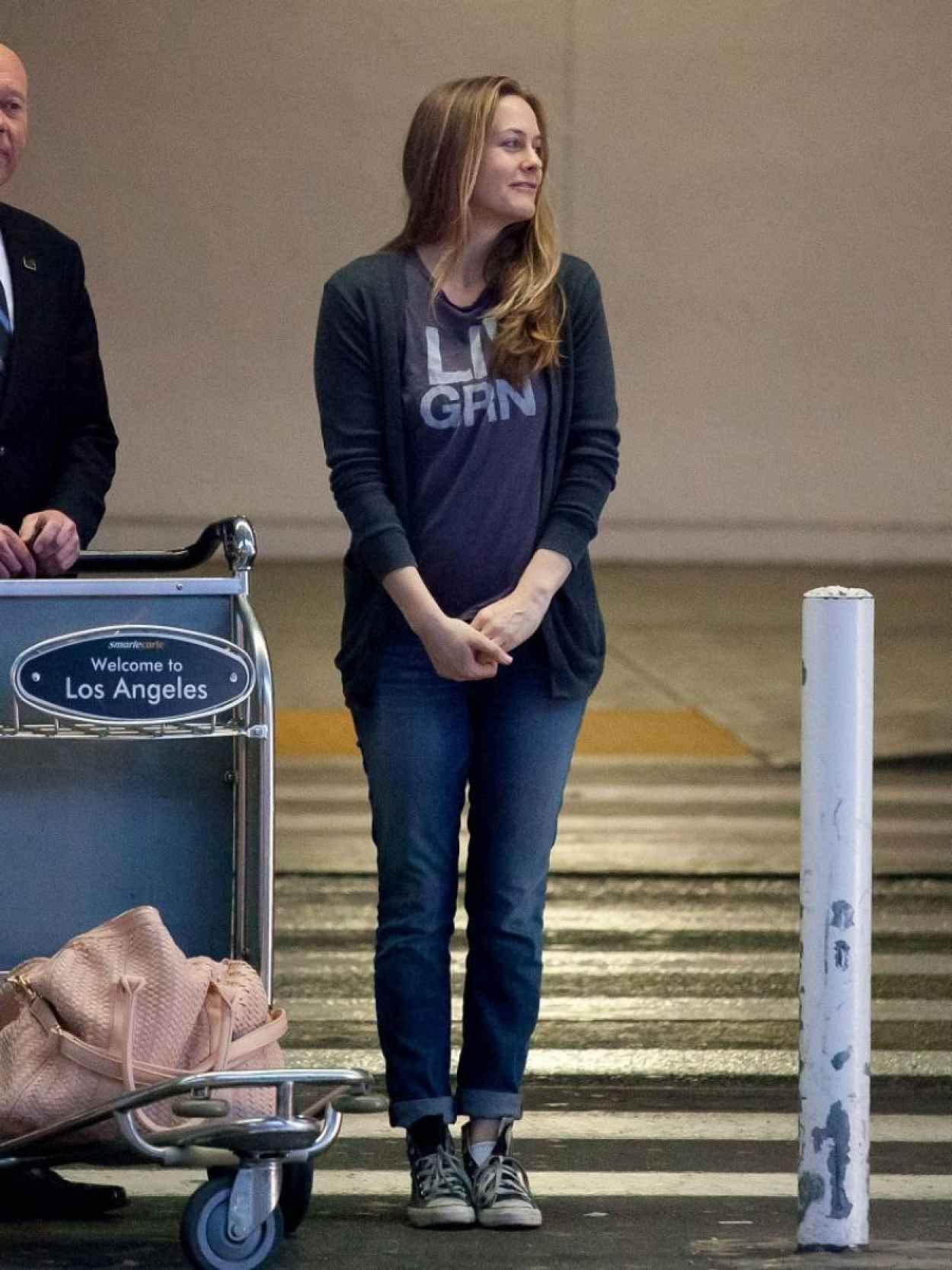 Alicia Silverstone in Jeans at LAX Airport - February 2015-3