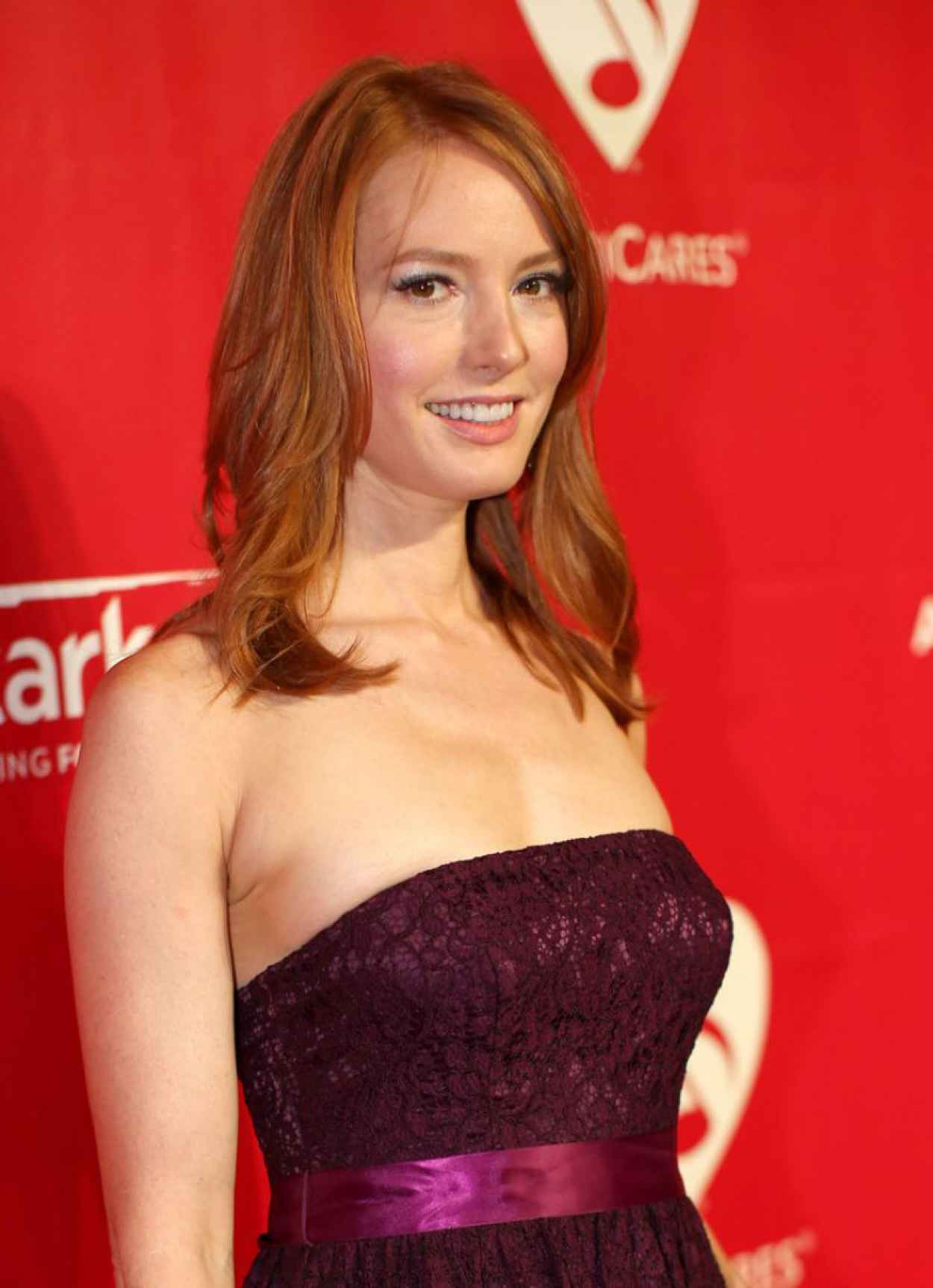 Alicia Witt - 2015 MusiCares Person of the Year Gala-1