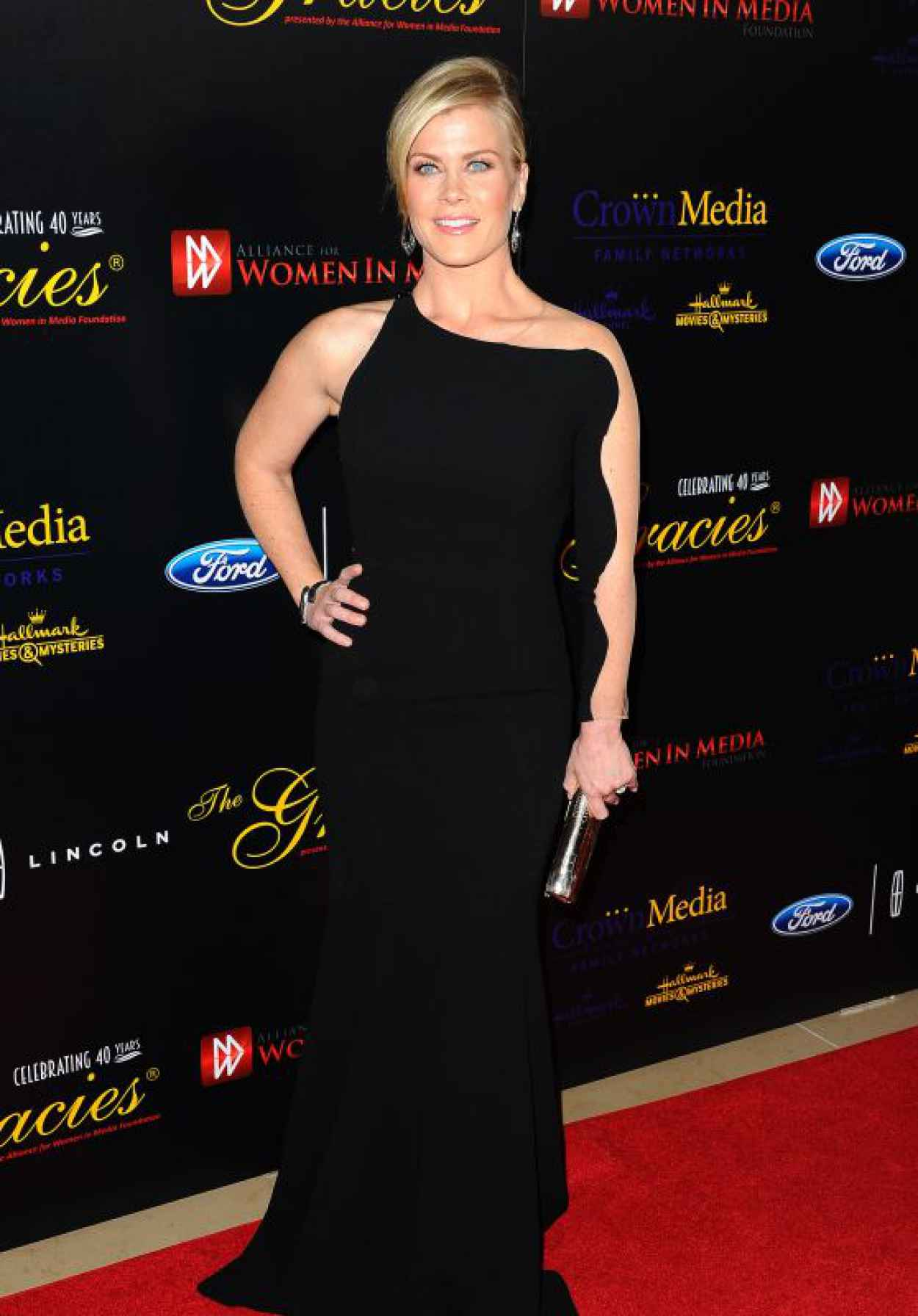 Alison Sweeney - 2015 Gracies Awards in Beverly Hills-1