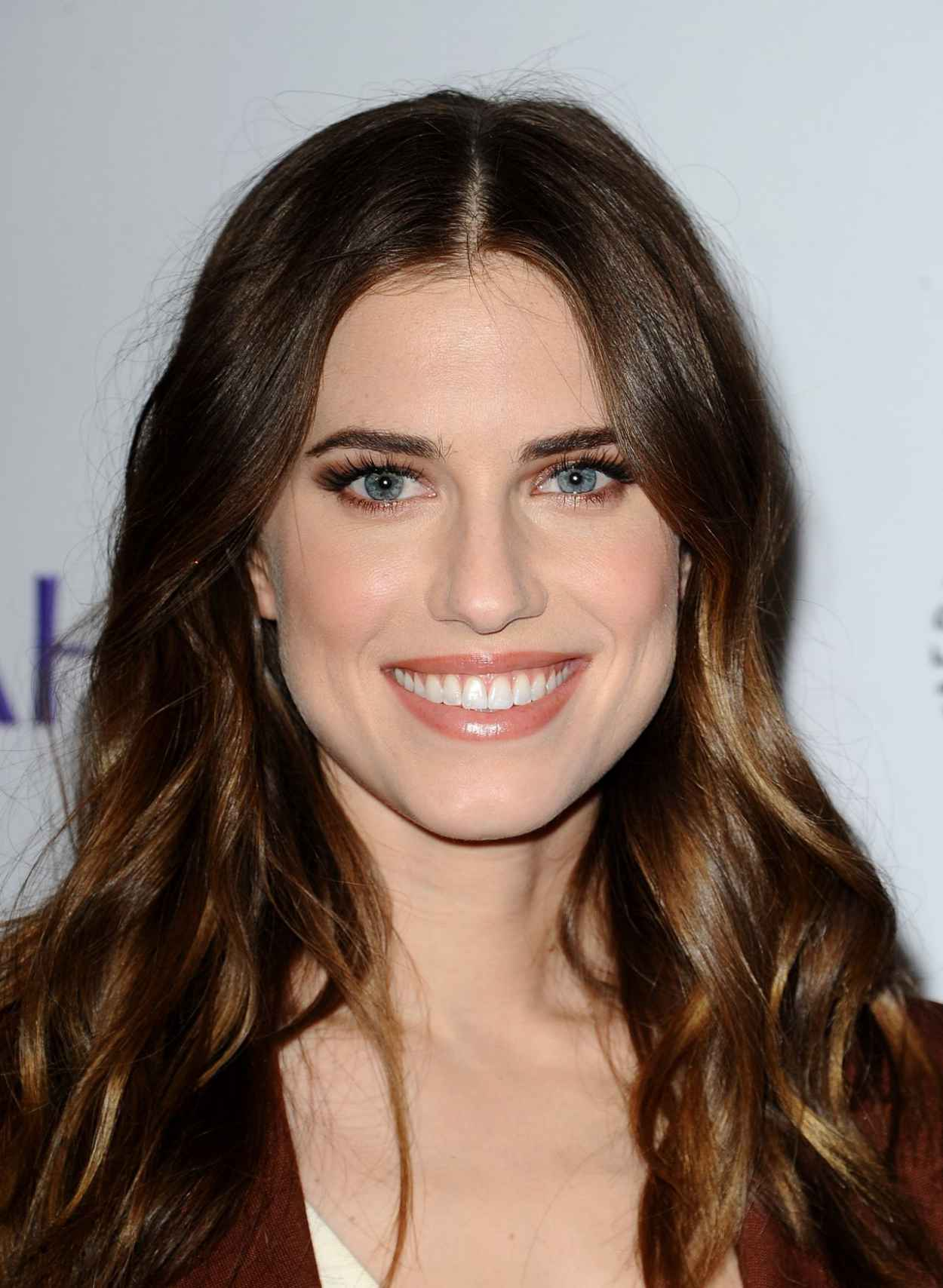 Allison Williams - The Paley Center For Medias 32nd Annual PALEYFEST LA - Girls-1
