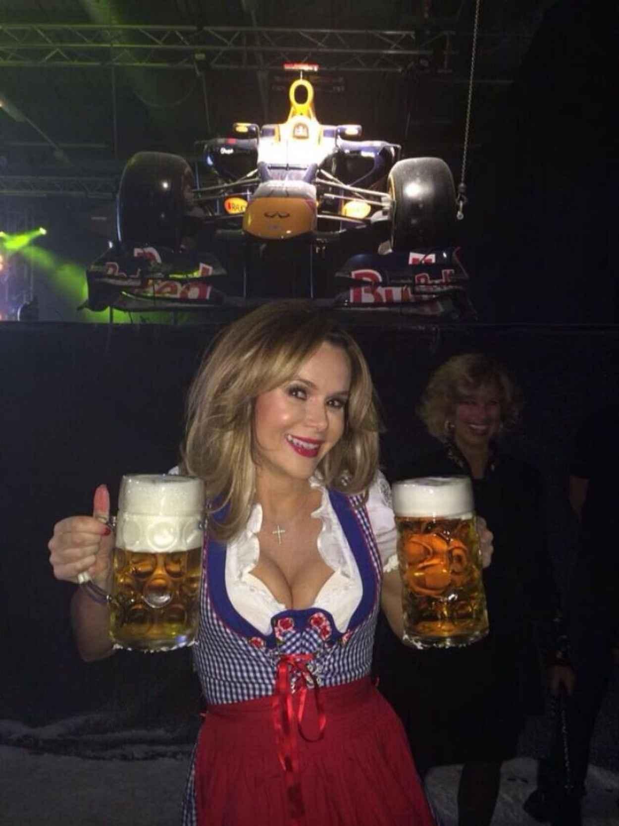 Amanda Holden - Red Bull Xmas Party - December 2015-1