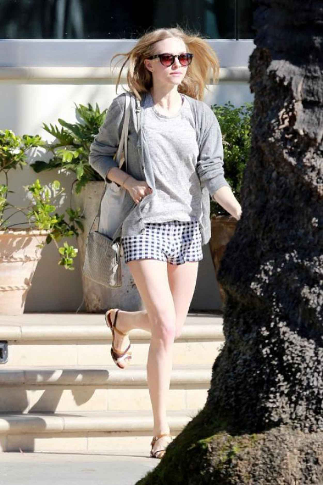 Amanda Seyfried Candids 2015 - Out for Lunch in Santa Monica-1