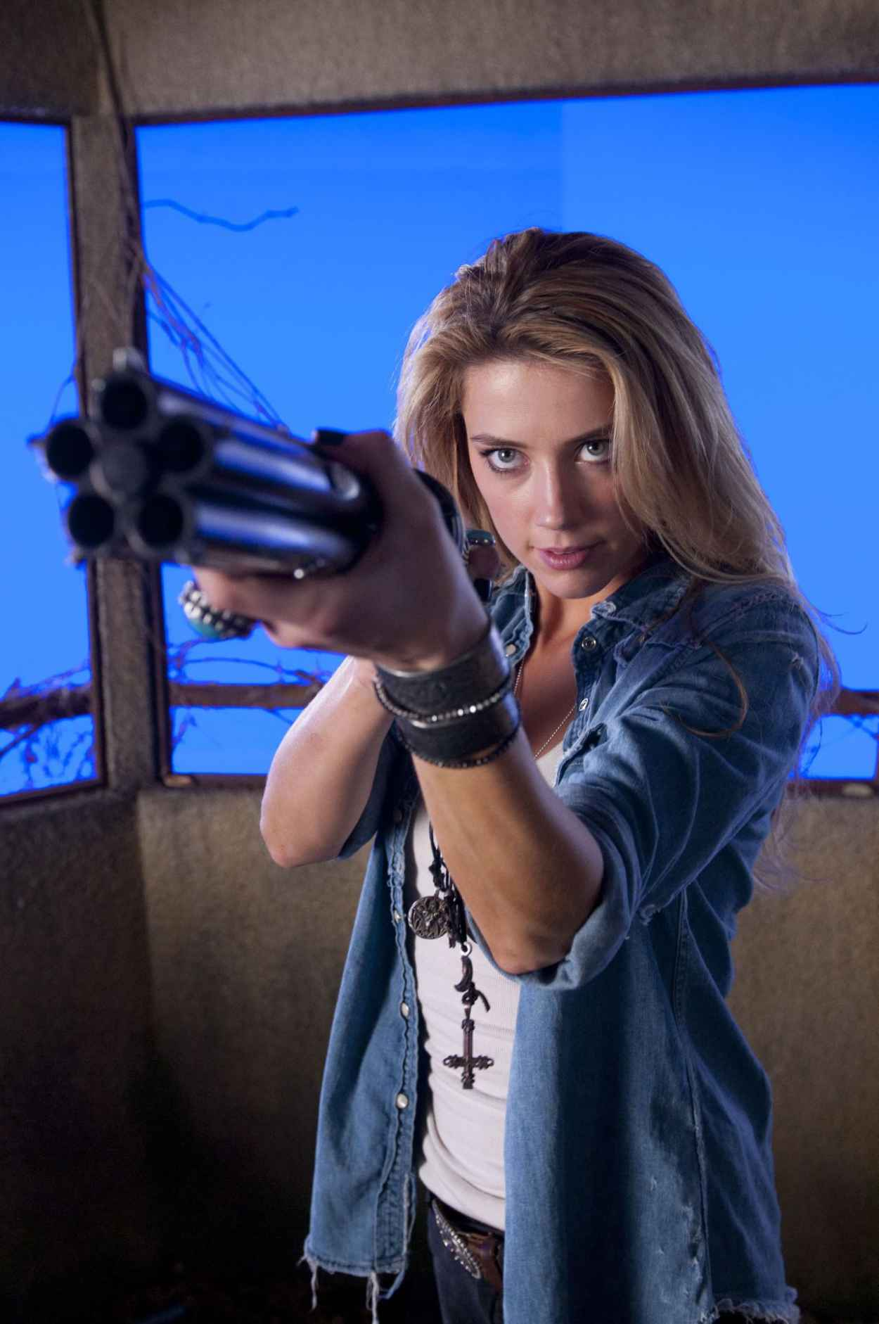 Amber Heard - DRIVE ANGRY Movie Photos-1