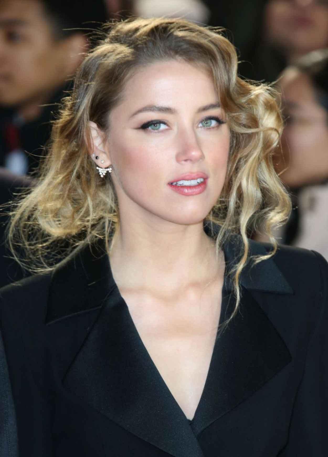 Amber Heard - -Mortdecai- Premiere in London-1