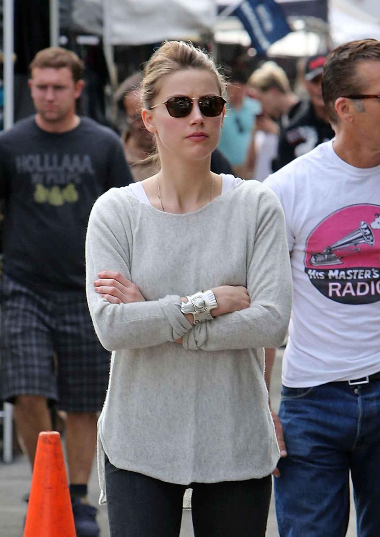 Amber Heard Street Style - Melrose Flea Market - January 2015-1